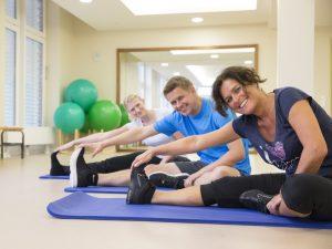 Weitere Fitness-Angebote wie Morgengymnastik oder Stretching im BadeWerk Neuharlingersiel